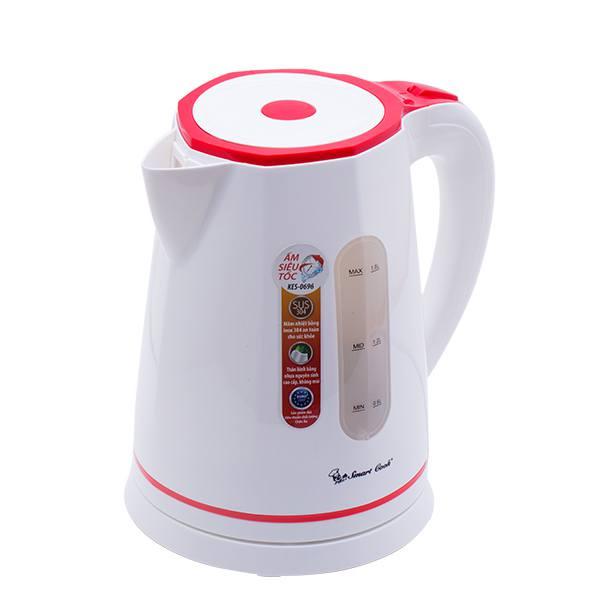 Ấm siêu tốc Smartcook KES- 0696 dung tích 1,8 lít bạn tha hồ sử dụng