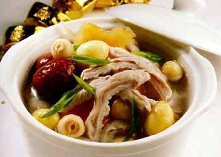 Bếp từ BlueStone ICB-6635 nấu nhiều món ăn ngon bổ dưỡng