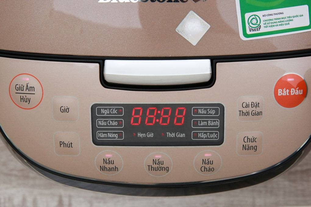 Bảng điều khiển điện tử của nồi cơm điện Bluestone RCB-5943