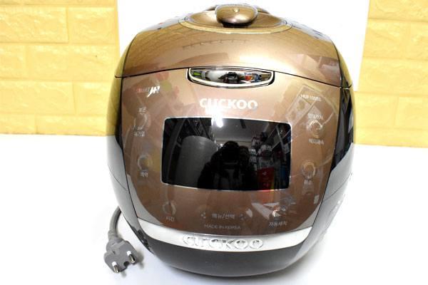 Noi-com-dien-cao-tan-Cuckoo-CRP-HUF105SS-1